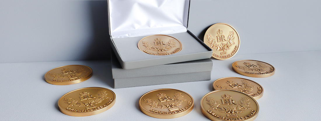 branded gold medal awards for a commemorative gift